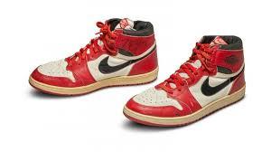 Кроссовки Майкла Джордана продали с аукциона за $560 тысяч