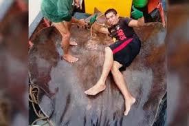В Малайзии поймали в реке рыбу весом почти 300 кг