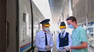 В Узбекистане для пассажиров отменили справку об отсутствии COVID-19