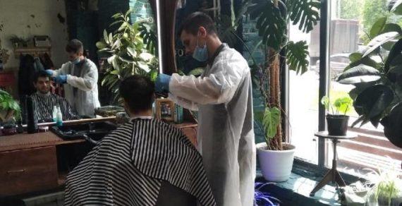 В Костроме парикмахер подстриг около 90 клиентов за двое суток беспрерывной работы