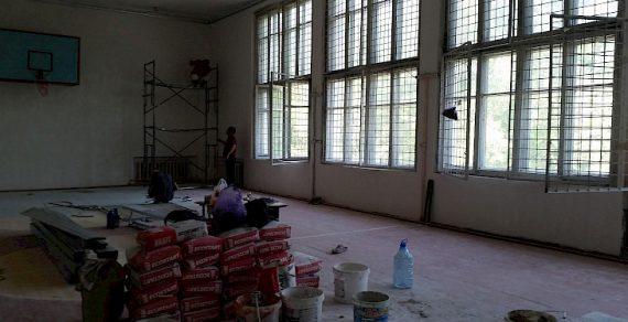 В Бишкеке продолжается ремонт школ и детских садов