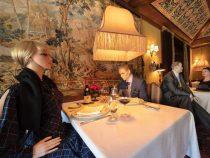 В компании манекенов посетители ресторана не будут чувствовать себя одиноко