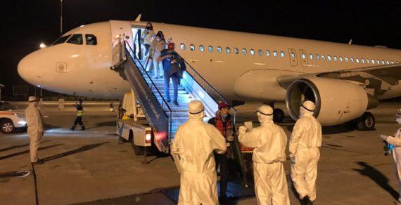 146 кыргызстанцев вернулись на родину из США и Канады