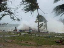 Ураган в Австралии оставил без света свыше 50 тысяч домов