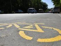 В Бишкеке продолжается строительство велодорожек