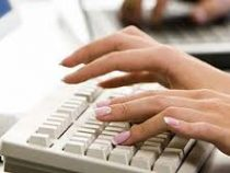 В Кыргызстане возобновила работу система электронной записи в школу