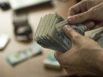 Средняя зарплата в Кыргызстане составляет 17,7 тыс сомов