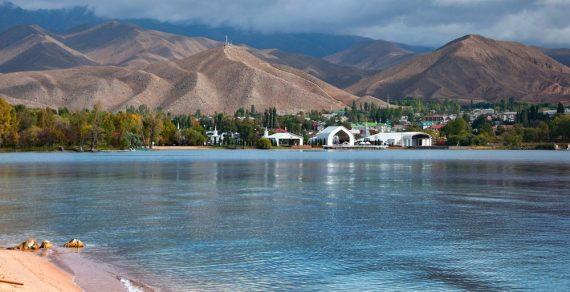 Власти Иссык-Кульской области обратились к отдыхающим