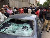 В Пакистане атаковано здание фондовой биржи