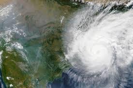 Шторм надвигается на юго-запад Индии