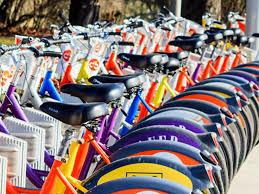 Французы пересаживаются на электрические велосипеды