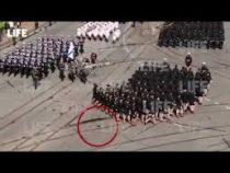 Калининградская «Золушка» потеряла туфлю на параде и продолжила маршировать босиком