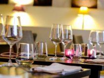 Минздрав: Массовые мероприятия в кафе запрещены
