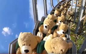 Плюшевые медведи прокатились на «американских» горках