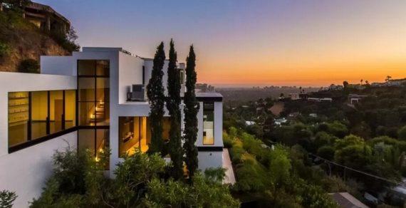 Ариана Гранде приобрела особняк за 13,7 миллионов долларов
