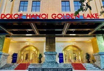 Во Вьетнаме открылся отель, покрытый 24-каратным золотом