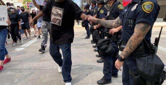 В США массово увольняются сотрудники полиции