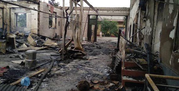 Крупный пожар в Ошской области уничтожил несколько жилых домов