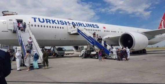 Из Турции на родину вернулись 328 кыргызстанцев
