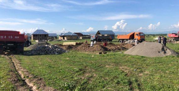 В Ошской области для нуждающихся граждан строятся жилые дома