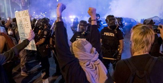 В Калифорнии хотят запретить учить полицейских удушающим захватам