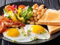 Медики рассказали, что вредно есть на завтрак