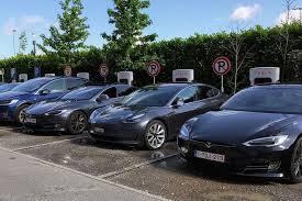 Компания Илона Маска Tesla стала самым дорогим автопроизводителем в мире