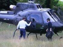 Том Круз прилетел в Британии на ланч на вертолете