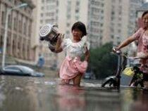 Из-за сильных ливней вКитае идут масштабные восстановительные работы