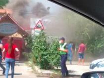 В Бишкеке загорелся жилой дом, перепрофилированный под кафе