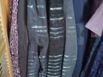 Попытка покрасить шкаф закончилась преображением одежды