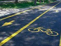 В Бишкеке завершено строительство велодорожки в южных районах города