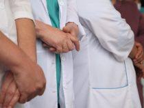 В Бишкек из регионов прибудут около ста врачей-добровольцев