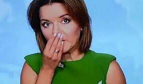 У украинской телеведущей выпал зуб