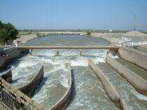В Ат-Башинском районе идет ремонт ирригационных каналов