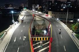 В Китае построили шоссе вокруг дома, хозяйка которого отказалась съезжать оттуда
