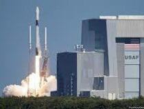 Компания SpaceX отправила на орбиту еще более 60 мини-спутников
