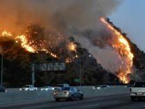ВКалифорнии, охваченной лесными пожарами, объявлена массовая эвакуация