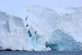 В Канаде на океан обрушился последний нетронутый ледник