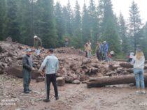 ВДжети-Огузском районе оползень смыл дорогу
