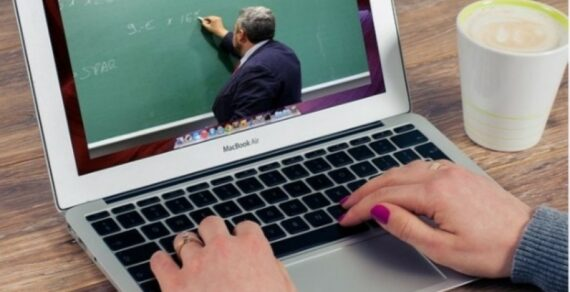 В школах Бишкека проходят вебинары «Санарип мугалим»