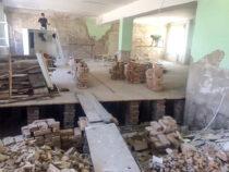 Аварийные школы страны отремонтируют до конца года