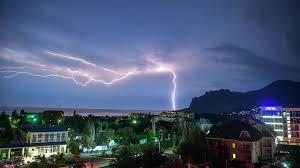 В Швейцарии 14 подростков пострадали в результате удара молнии