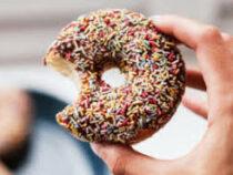 Британка съела 10 пончиков за 3 минуты и попала в Книгу рекордов Гиннеса