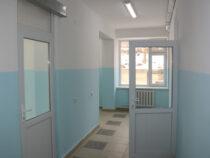 В Кыргызстане сдали в эксплуатацию 7 из 12 больниц
