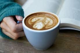Диетолог рассказала, почему кофеин не стоит употреблять девушкам