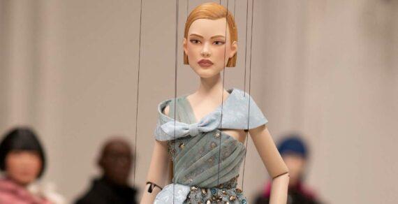 Дизайнер из-за COVID-19 вместо живых моделей вывел на подиум кукол-марионеток