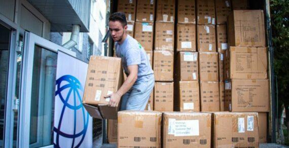 В Кыргызстан поступили десятки тысяч масок