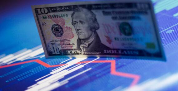 Американский экономист назвал причины скорого обвала курса доллара