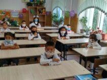 В 62-х школах Кыргызстана обучение ведется в традиционном режиме